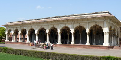 Agra fort - diwan-i-aam
