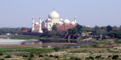view of the taj mahal from agra fort