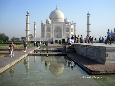 Taj mahal - lotus pond